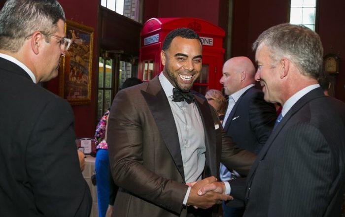 Nelson Cruz inaugura fundación para ayudar