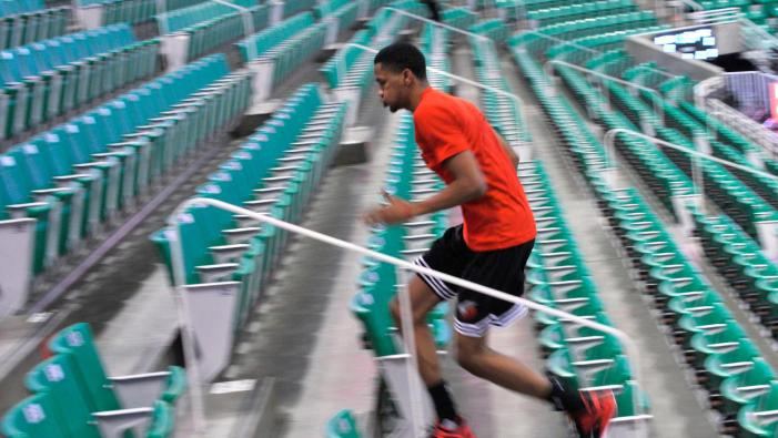 Dominicano Luis Montero busca su oportunidad con los Blazers