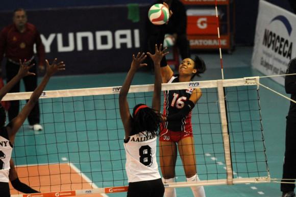 Dominicanas barren con Trinidad y Tobago en incio Copa Panamericana