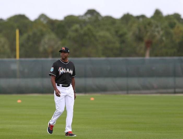 Marlins no seguirán con Barry Bonds como entrenador de bateo