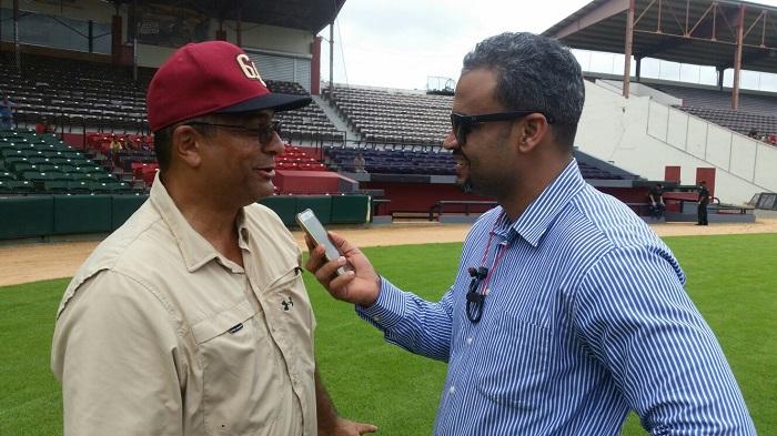 Ismael Cruz impresionado con el material de los Gigantes del Cibao