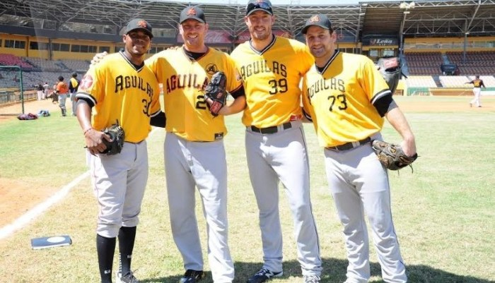 Aguilas reciben pitcher importado Andrew Kittredge