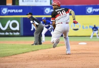 Triunfo de Escogido sobre Licey provoca empate en primer lugar del béisbol dominicano