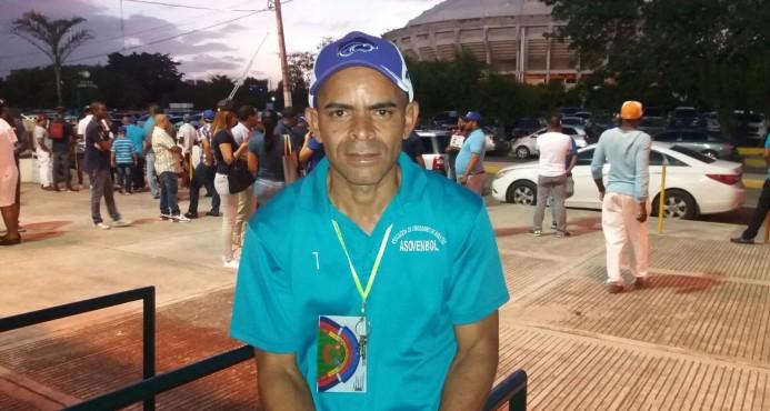 """El """"Mercado Negro"""" se organiza con la Asociación de Vendedores de Boletas"""