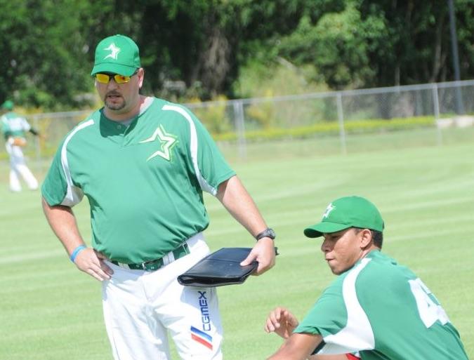 Estrellas contratan a Dave Lundquist como coach de pitcheo
