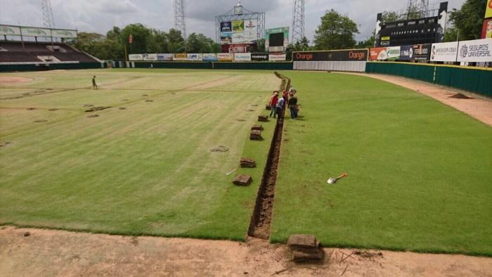 Gigantes del Cibao trabajan en la reparación de su sistema de drenaje del Julián Javier