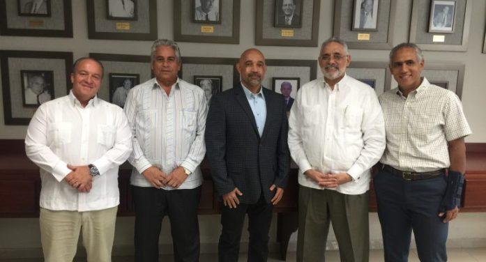 LIDOM recibe visita de cortesía del Director de Operaciones de MLB en República Dominicana.