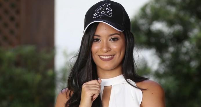 Águilas nombran a Annette Cabral Castillo como la Madrina del equipo