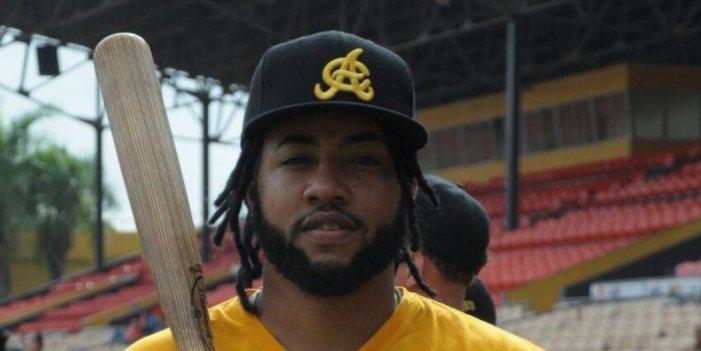 Ronny Rodríguez dice que viene por más con las Águilas Cibaeñas