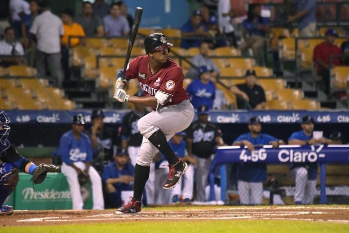 Eloy Jménez se ve con un puesto en los jardines de los White Sox en 2018