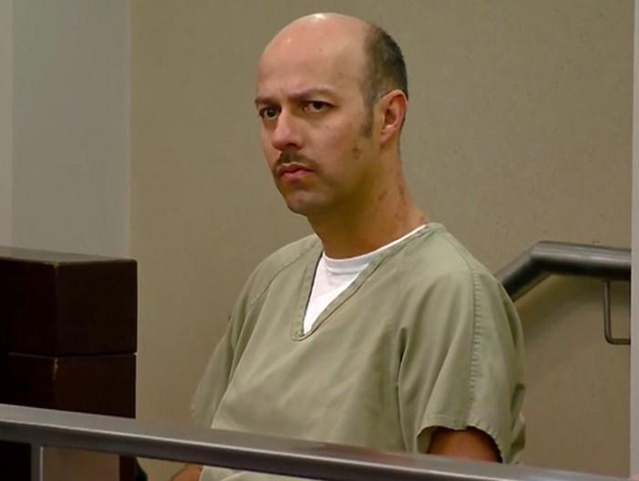 Esteban Loaiza se declara no culpable de cargos de posesión de droga