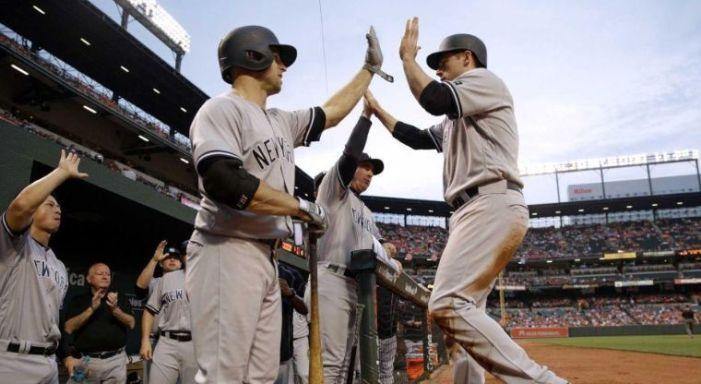Los Yankees podrían firmar al tercera base Yunel Escobar