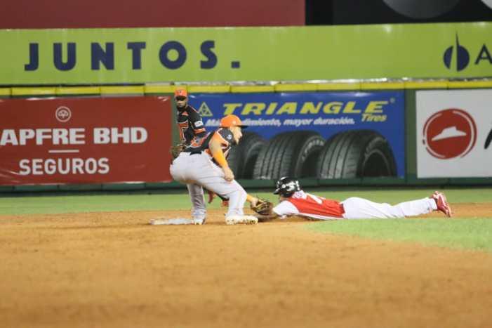 Huelga amenaza temporada del béisbol dominicano