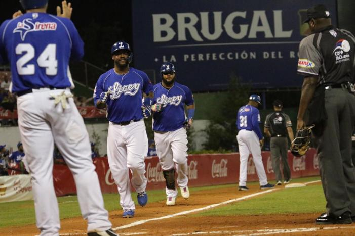Jonrón de Juan Francisco lidera triunfo Tigres; Hay cuatruple empate !!!!