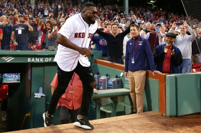 'Big Papi' lanza la primera bola en el partido Yankees-Medias Rojas
