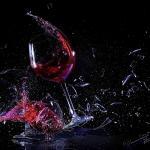springendes Glas 25 - Lingerie in der Burg - outdoor, modelle, glamour, allgemein, aktfotos, abseits-des-alltags - outdoor, Glamour, Frauen, erotische Porträts, Draußen, Aktfotos
