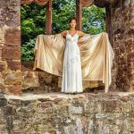 Lingerie Fashion 2017 810 Bearbeitet - Lingerie in der Burg - outdoor, modelle, glamour, allgemein, aktfotos, abseits-des-alltags - outdoor, Glamour, Frauen, erotische Porträts, Draußen, Aktfotos