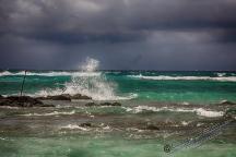 Etwas Dramatik dank der Ausläufer des Zyklons. Aber so etwas Wind und Wasser hält einen Fotografen ja nicht vom knipsen ab ;-)