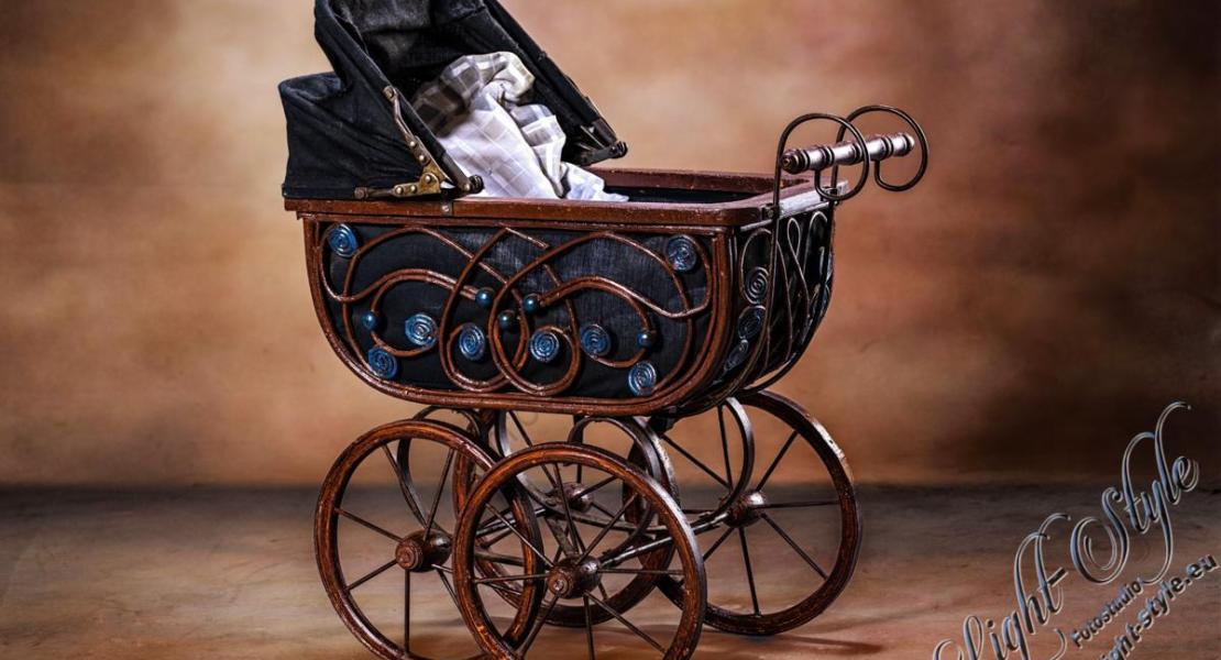 antiker Kinderwagen 12 - unser neuestes Schmuckstück ;-) - newborn, kinder, babyfotos, babybauch, alles - Schwangerschaft, Newborns, Kinderporträts, Babyfotos