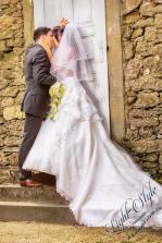 H18L0106 297 - After Wedding Shooting Teil 2 - outdoor, hochzeitsfotos, allgemein, afterwedding, abseits-des-alltags - Hochzeitsfotos, Geschenke, Frauen, Draußen, After wedding