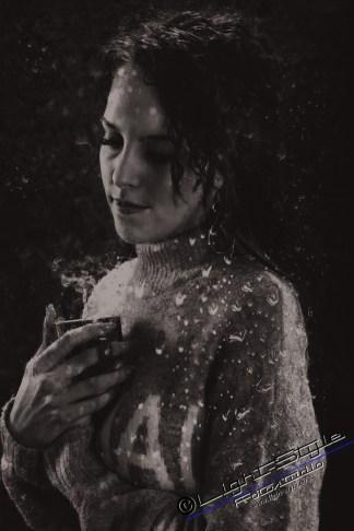 PS18L0102 118 800x1200 - Porträts der Traurigkeit - portraets, besondere-portraets, allgemein, abseits-des-alltags - Porträts, Melancholie, Frauen, besondere Porträts