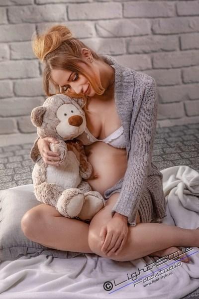 S20B0109 123 - Babybauch - Das  will  ich auch - schwangerschaft, newborn, frauen, besondere-portraets, babyfotos, babybauch, allgemein - Schwangerschaft, Newbornfotos, Newborn, Babyfotos, babybauch