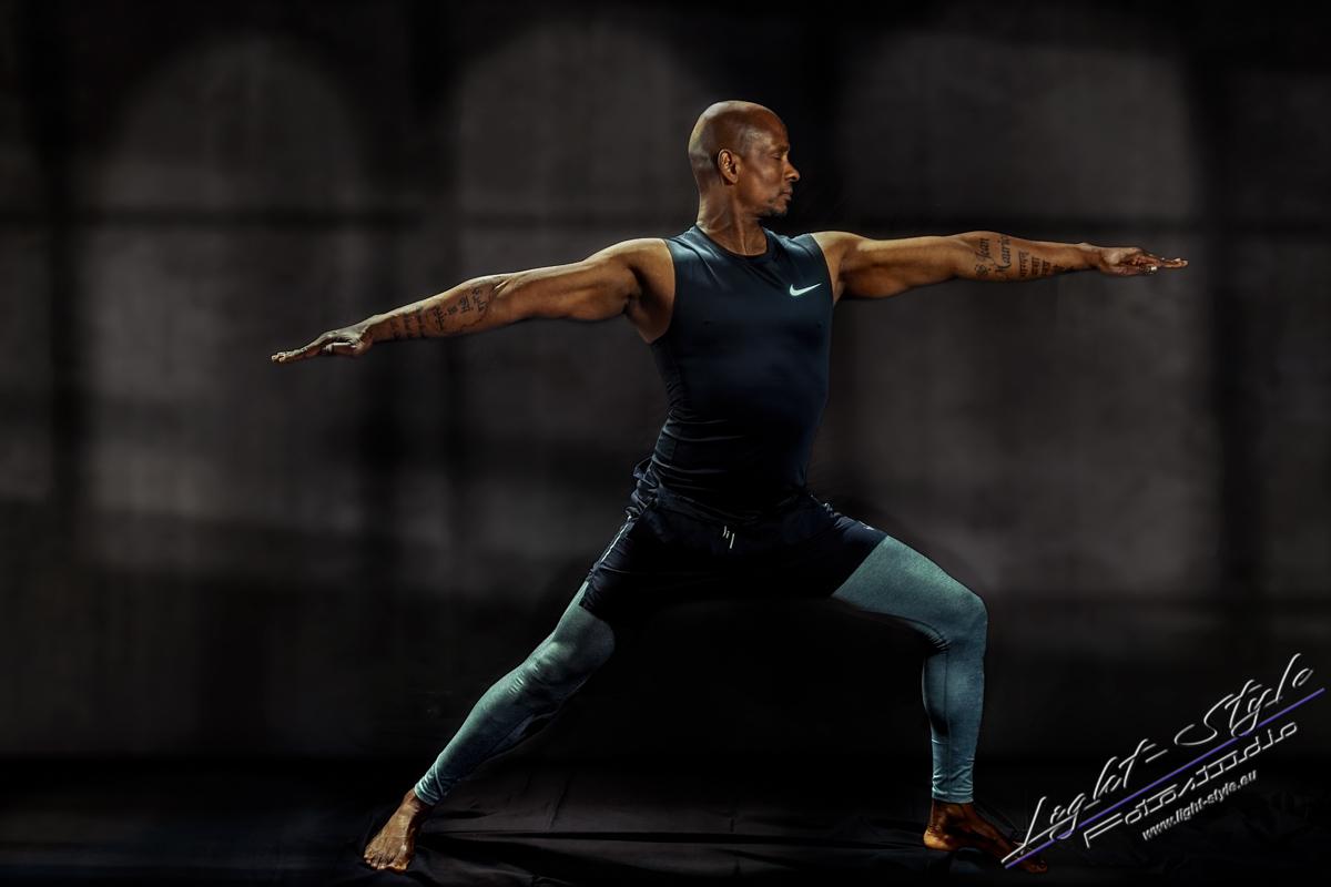 Sportlerfotos Yoga 2 1 - Nur Dein Geist ist Dein Limit - sportlerfotos, portraets, maenner, besondere-portraets - Sportlerfotos, Männerporträts, Männer, Boxen