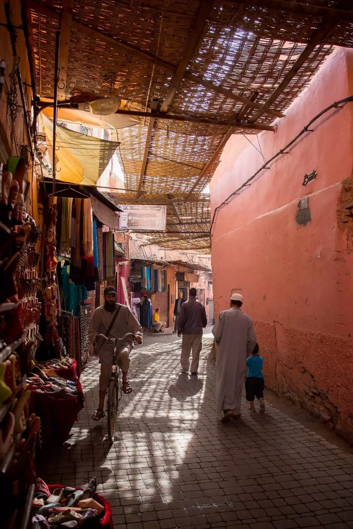 marrakech-narrow-roadway