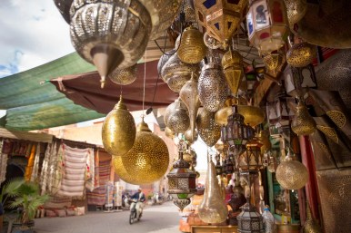 marrakech-streetside-lamps