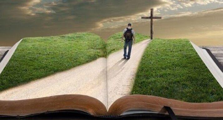 مراحل درب الصليب يكتبها مسيحيو الشرق