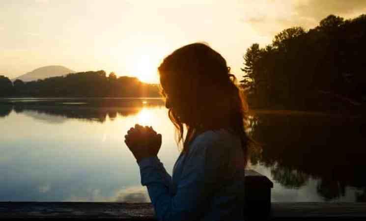 يا رب علمني كيف أتبعك وساعدني كي أسير على دربك