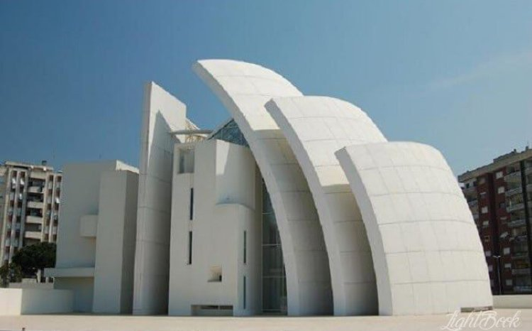 The Most Beautiful and Unusual Churches In The World-31