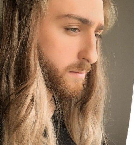 الشماس ذو الشعر الطويل و الأب الكاهن المصري - قصة واقعية