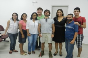 Aracaju-10-Junto-com-os-alunos-da-UFS-e-o-professor-Rogerio-Brandao