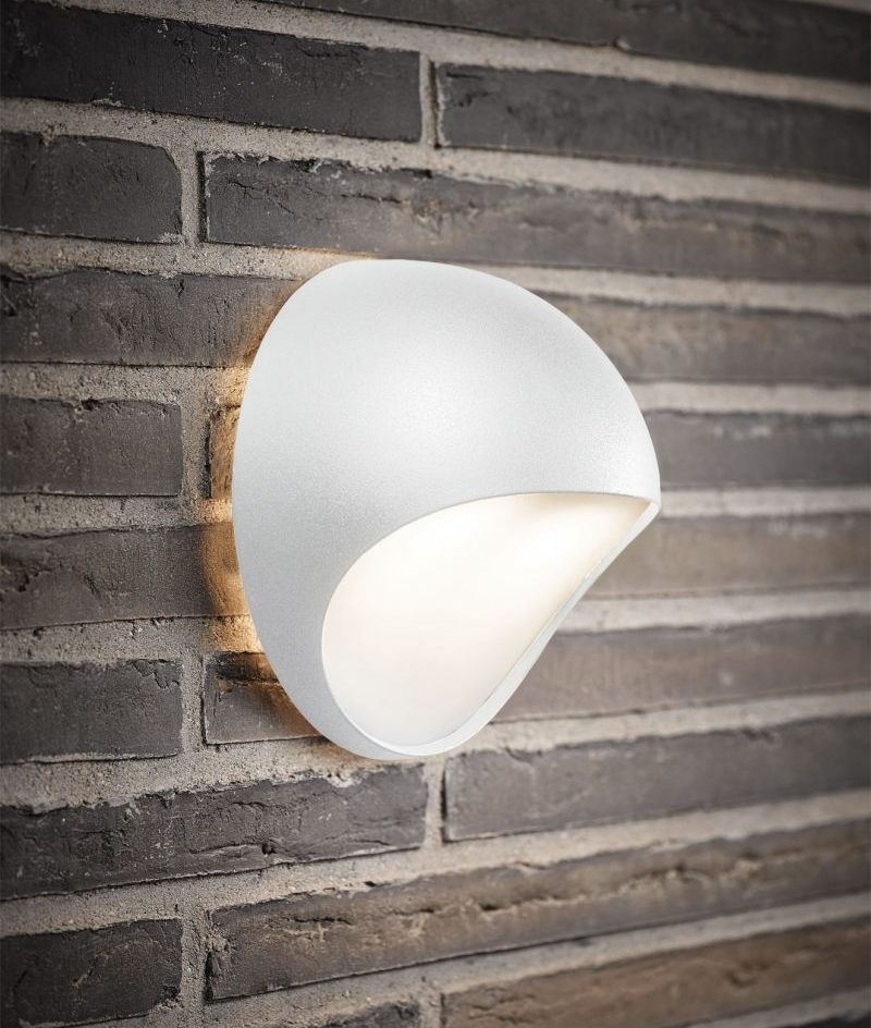 Shaped Exterior Led Wall Light With Diffuser