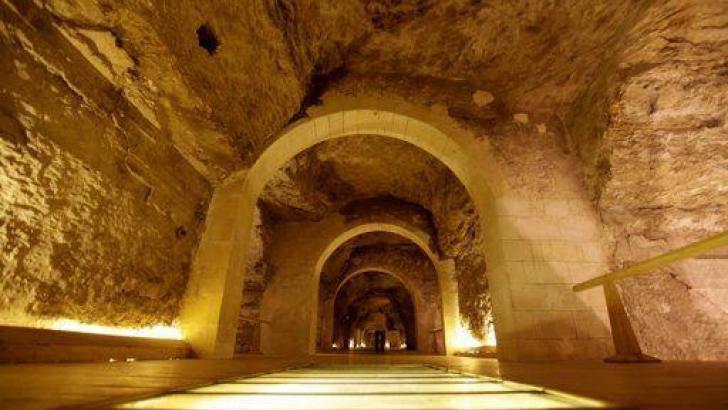 Tunnels Under Giza