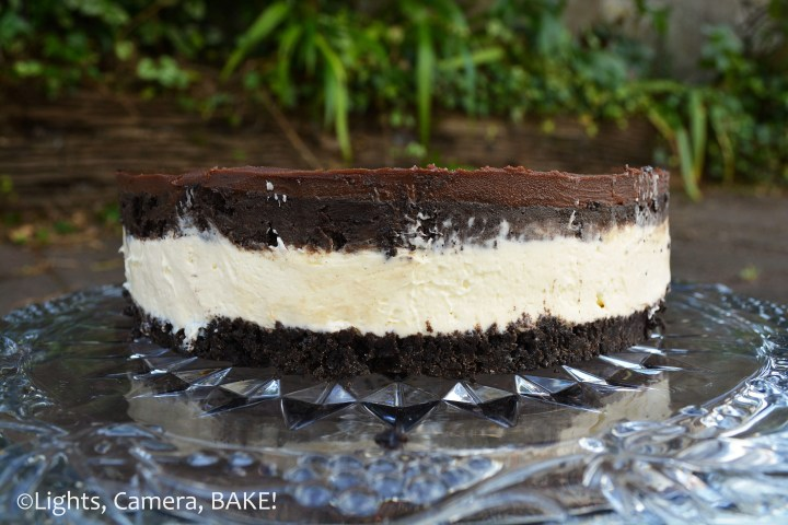 No Bake Oreo Truffle Cheesecake: Sweet and creamy vanilla cheesecake, smothered in #oreotruffles and topped with a rich chocolate ganache..... This is decadence at its finest and nothing short of showstopping. #dessert #recipe