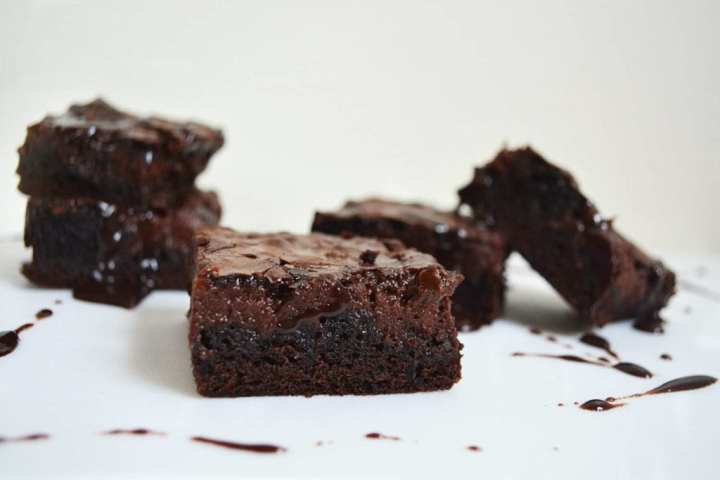 Hot Fudge Cheesecake Brownies are rich and fudgy chocolate brownies with a hot fudge cheesecake running through the centre. Once you have hot fudge cheesecake running through your brownies you will never go back!