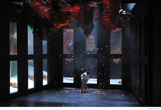Orphée et Eurydice de Gluck - Angers Nantes Opéra Mise en scène : Emmanuelle Bastet - Scénographie et costumes : Tim Northam Lumière : François Thouret - Photo : Jef Rabillon