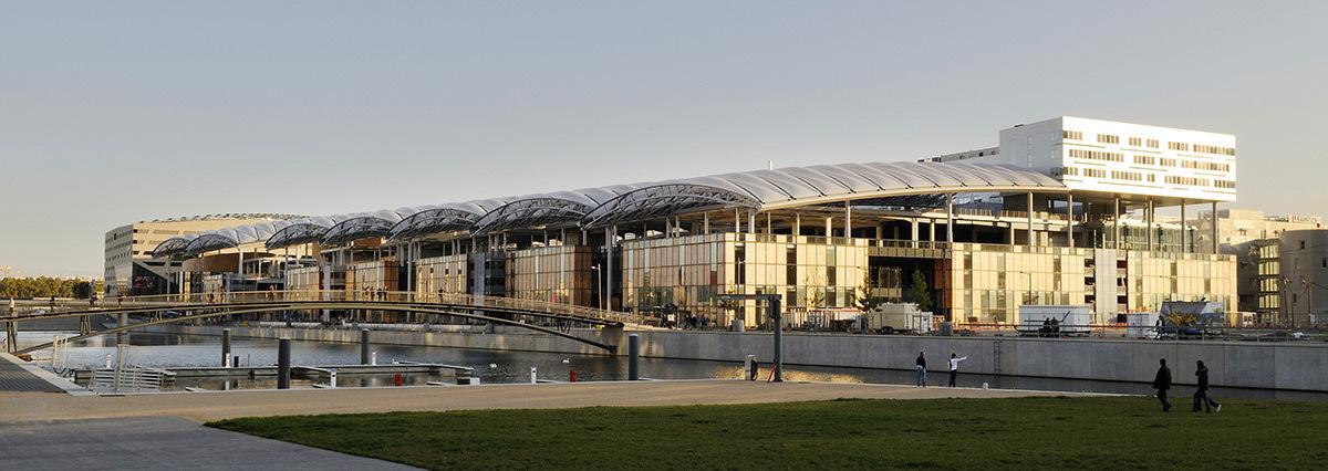 Pôle Confluence, Lyon, France - Architecte : Jean Paul Viguier - Photo : Renaud Araud
