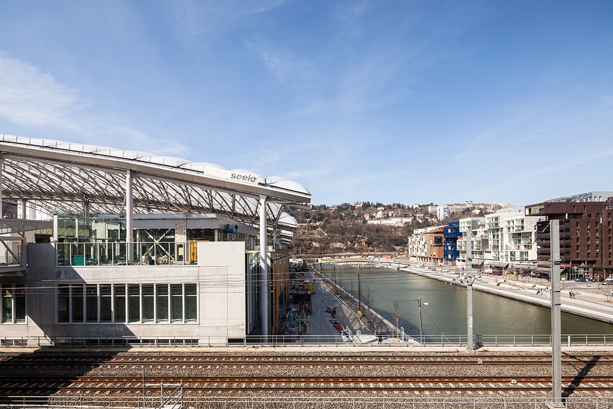 Pôle Confluence, Lyon, France - Architecte : Jean Paul Viguier - Photo : Renaud Chaignet