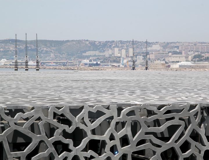 Peau du MuCEM, Marseille - Architecte : Rudy Ricciotti - Photo : Vincent Laganier