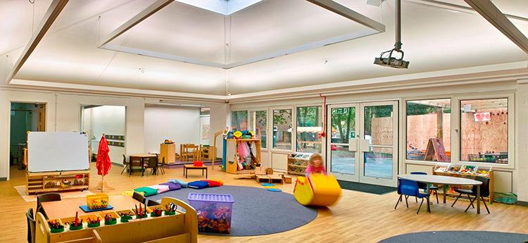 Alexandra Infant School, Kingston upon Thames, UK - Conception lumière : Light Bureau