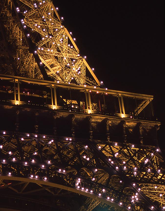 Tour Eiffel, Paris, France – Scintillement – Conception lumière : Pierre Bideau, SNTE – Photo : Vincent Laganier