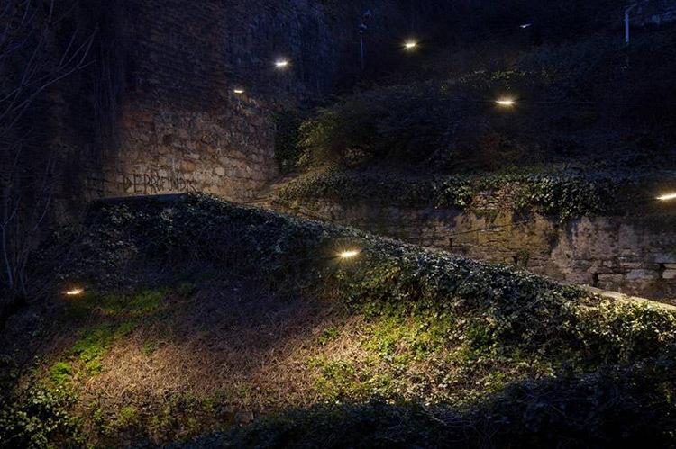 Montée du boulevard, Lyon - Réalisation de lumière durable de Aurélien de Fursac, agence Côté lumière - Photo Xavier Boymond