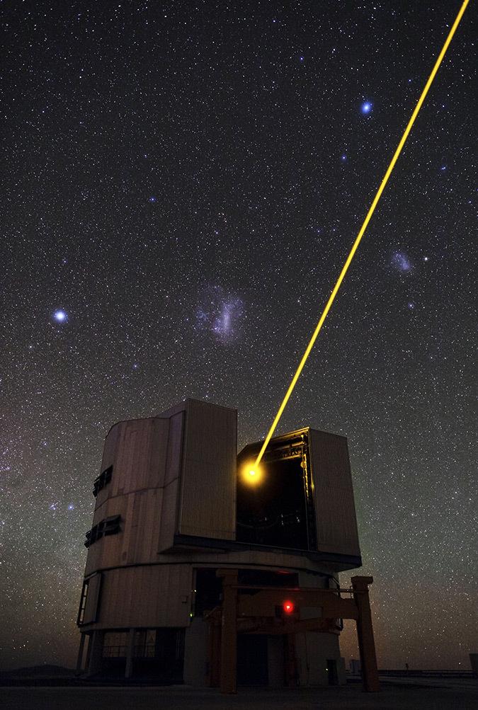 Éclairage Laser dans le ciel