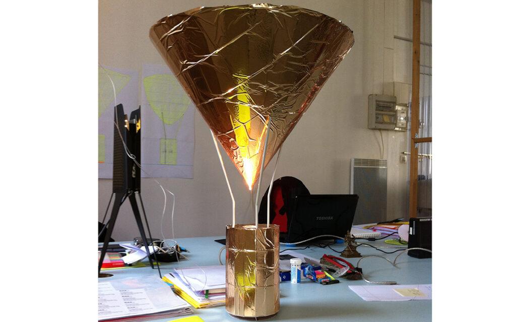 Prototype de lampe à posée, La gloriette - Vue de face - Design et photo : RICH
