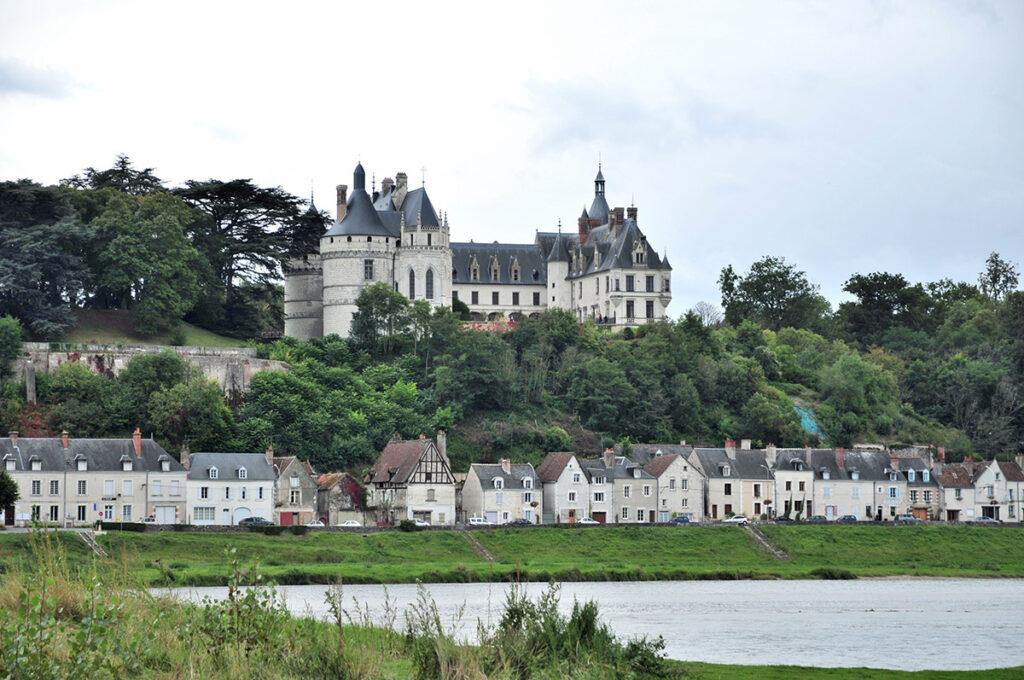 Vue diurne des bords de Loire - Château de Chaumont-sur-Loire, France