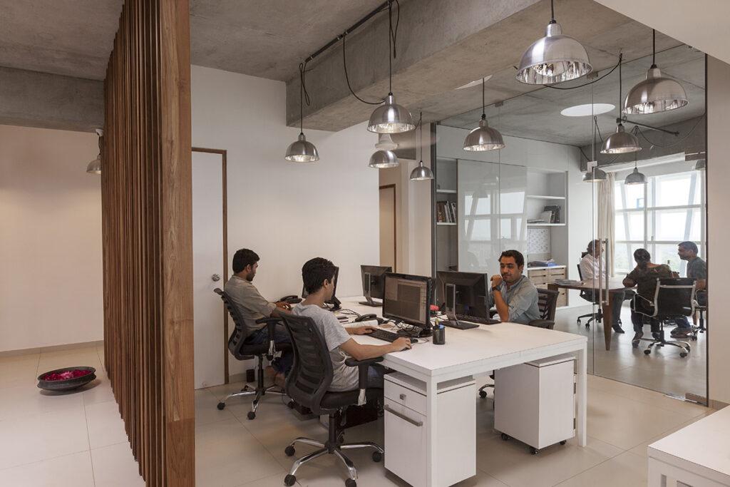 Bureau de l'agence de jour - Mondeal Square, Ahmedabad, Inde © Blocher Blocher Partners Architecture and Design