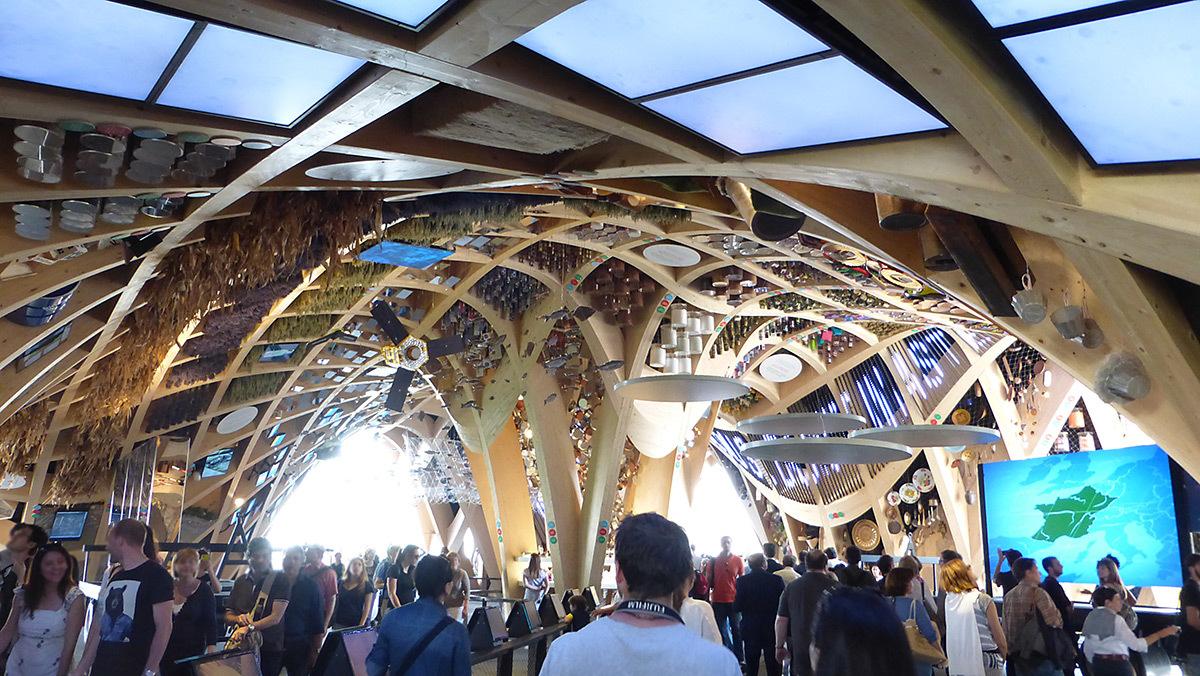 Expo 2015, Pavillon France, Milan, Italie - Halle, vue d'ensemble - Architectes XTU - Scénographie Adeline Rispal - Conception Lumiere Licht Kunst Licht - Photo Vincent Laganier